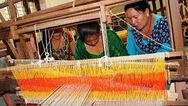 अल्लोको कपडा उत्पादनबाट सक्षम बन्दै रुकुमका महिला