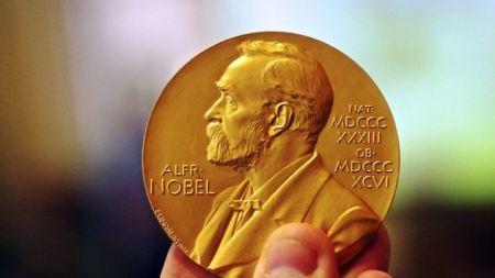यस वर्ष साहित्यतर्फको नोबेल पुरस्कार किन दिर्इएन ?