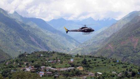 निजी क्षेत्रको तेल ओसार्न सेनाको हेलिकोप्टर