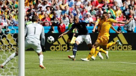 विश्वकप फुटबलमा पहिलाे पटक भि.ए.अार प्रयाेग, फ्रान्स २–१ ले विजयी