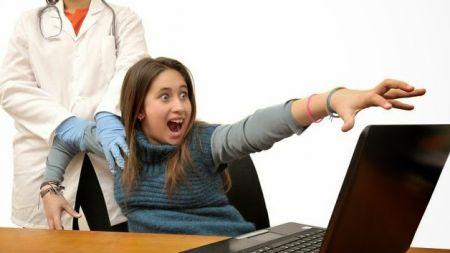 कतै तपाईंका बालबालिकामा पनि इन्टरनेटको लत छैन? डाक्टर भन्छन् :अहिल्यै समाधानमा नलागे ठूलो रूप लिन सक्छ