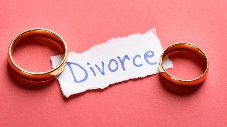 इतिहासकै छोटो वैवाहिक सम्बन्ध, तीन मिनटमै डिभोर्स !