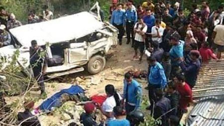 अर्घाखाँचीमा जीप दुर्घटना ४ जनाको मृत्युः दर्जन बढी घाईते