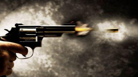 कुख्यात लुटेरा 'खुँडे'लार्इ नियन्त्रणमा  लिन प्रहरीद्धारा गोली प्रहार