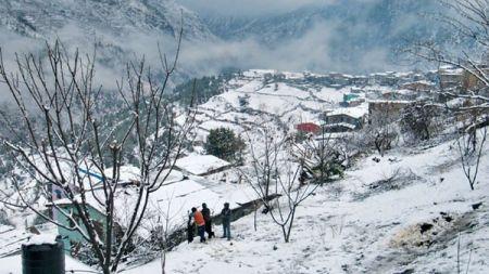 कर्णालीका विभिन्न जिल्लामा हिमपात, जनजीवन कष्टकर
