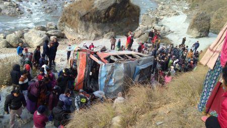 पर्वत बस दुर्घटनाः मृतकको संख्या ४ पुग्यो (अपडेट)