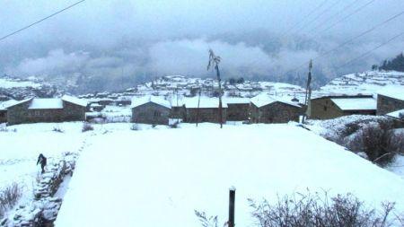 हुम्लामा फेरि भारी हिमपात, तापक्रम माइनस ७ डिग्री