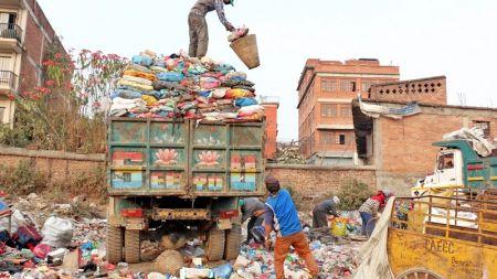 काठमाडौँ महानगरपालिकाले अब हप्ताको चारदिन मात्रै फोहोर उठाउने