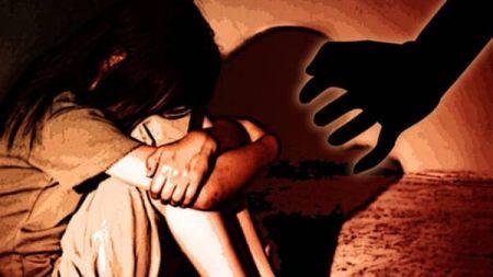 बालिका बलात्कार गर्न खोज्ने युवालाई निवस्त्र गाउँ घुमाइयो