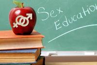 यौनशिक्षा : लजाउने शिक्षक छोडेर युट्युवतिर लाग्ने ईच्छा
