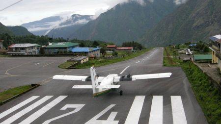 कुहिरोले उडान प्रभावित हुँदा लुक्लामा सयौं पर्यटक अलपत्र