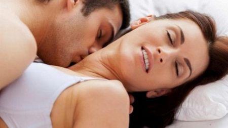 शारीरिक सम्पर्क गर्दा स्तन मिच्ने कि नमिच्ने ? यस्तो छ डाक्टरको सल्लाह