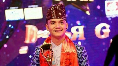 १७ वर्षीय रोल्पाली ठिटोले जिते नेपाल लोक स्टारको उपाधि