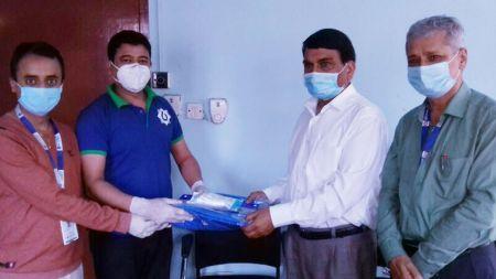 बैंक अफ काठमाण्डूद्वारा बीर अस्पताललाई २०० थान पीपीई हस्तान्तरण
