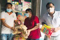 युएईमा समस्यामा परेका नेपालीलाई सेञ्चुरी बैंकद्वारा खाद्यन्न सामाग्री वितरण