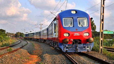 भारतीय रेल मन्त्रीको ट्वीटः रेल सित्तैमा पाको कि अरवौं तिरेको ?