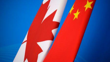 टी-सर्टले सक्लियो चीन-क्यानडाबीचको आगो : वु-ताङ कि वुहान ?