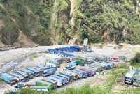 उत्तरी नाकामा सामान रोकिँदा दशैँको व्यापार प्रभावित