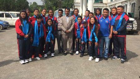 नेपाली महिला राष्ट्रिय क्रिकेट टोलीले हङकङको सामना गर्ने